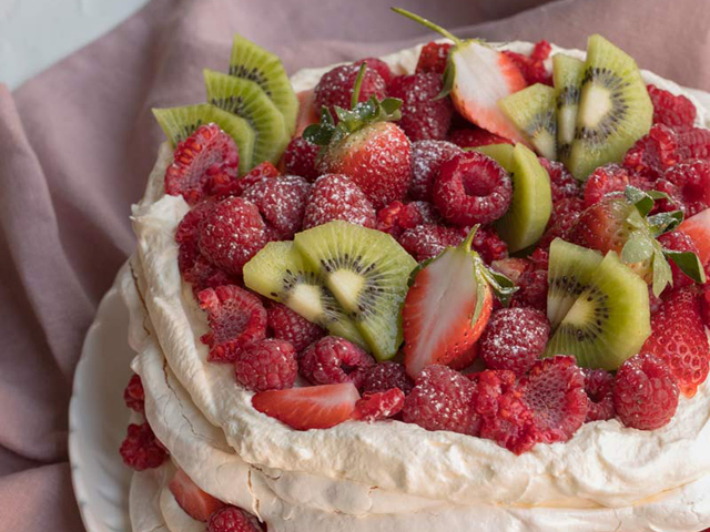 Pavlova Layer Cake
